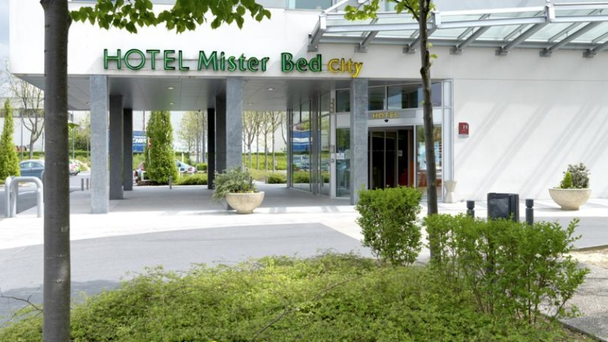 Hotel Mister Bed City in Torcy
